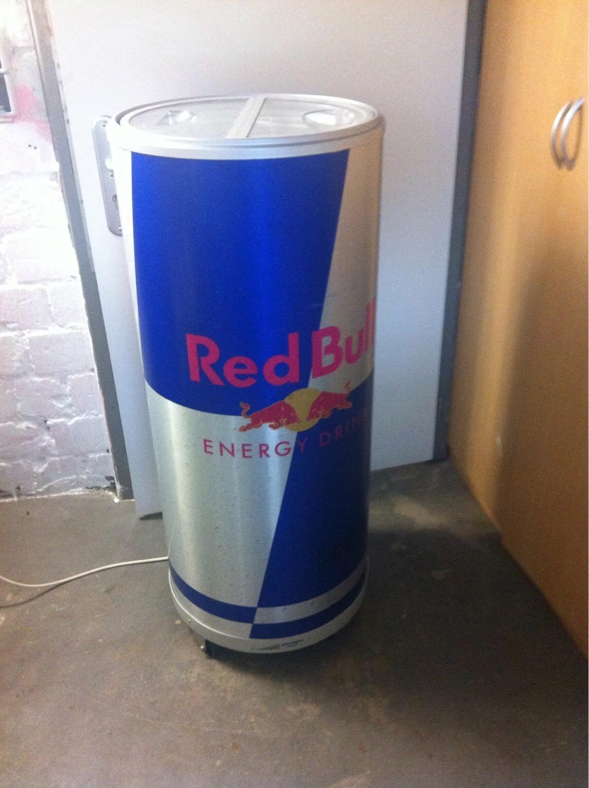 Red Bull Kühlschrank Neu Kaufen : Tiefe kühlschrank breite hodges shanon