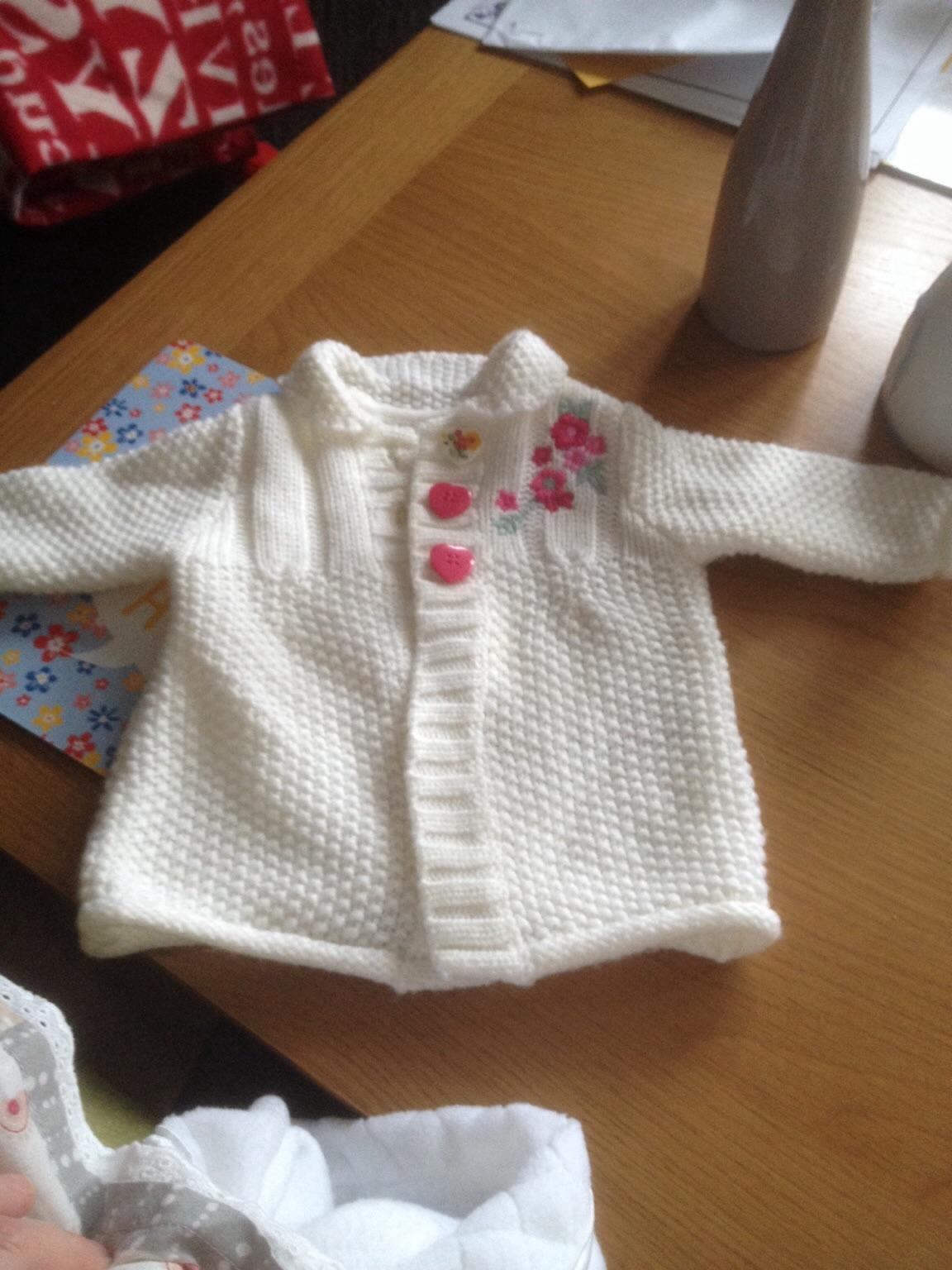 Used Baby clothes first size in B31 Birmingham for £ 1 50