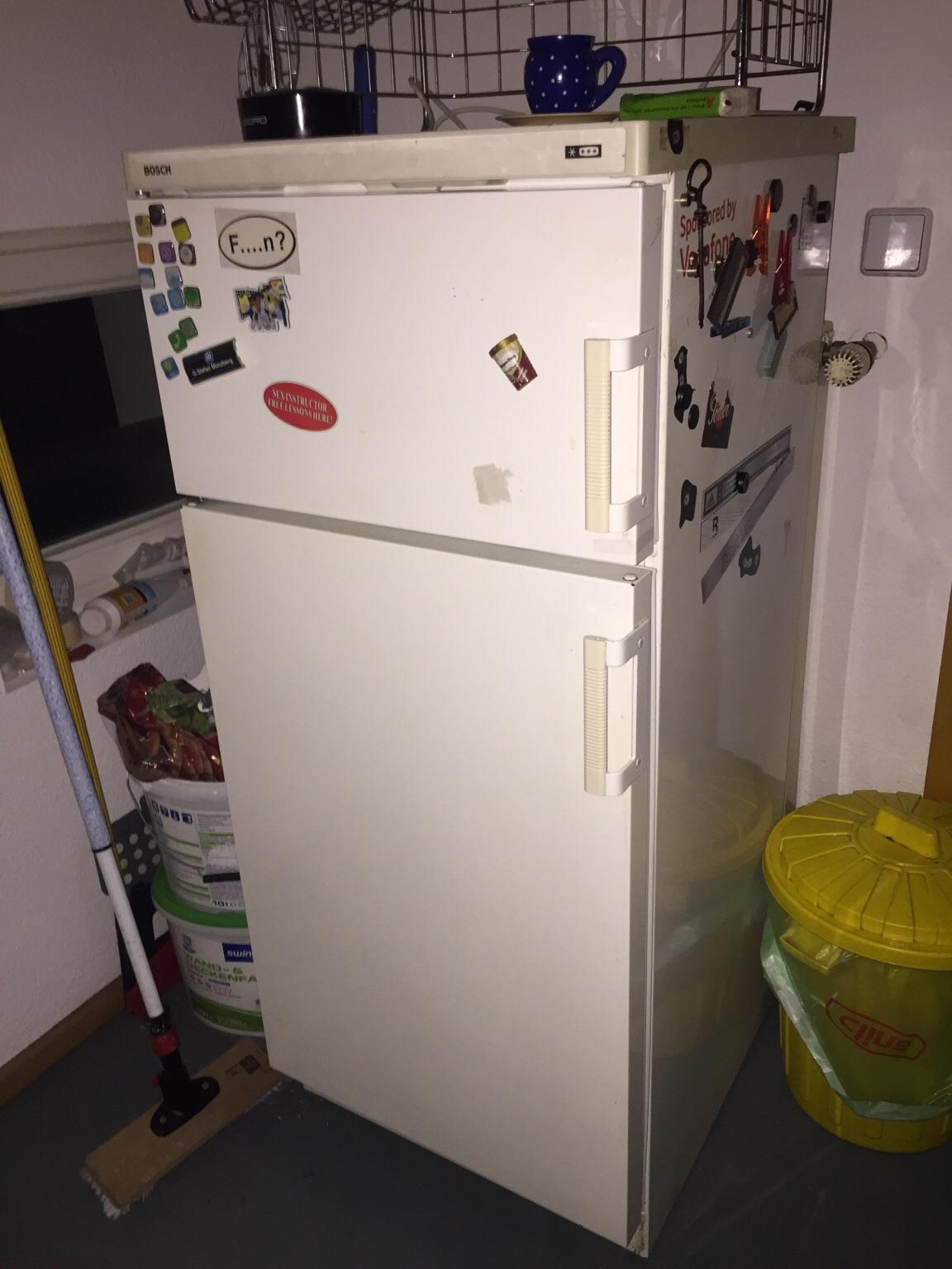 Bosch Kühlschrank Zu Laut : Gebraucht bosch kühlschrank mit frostfach in berlin um