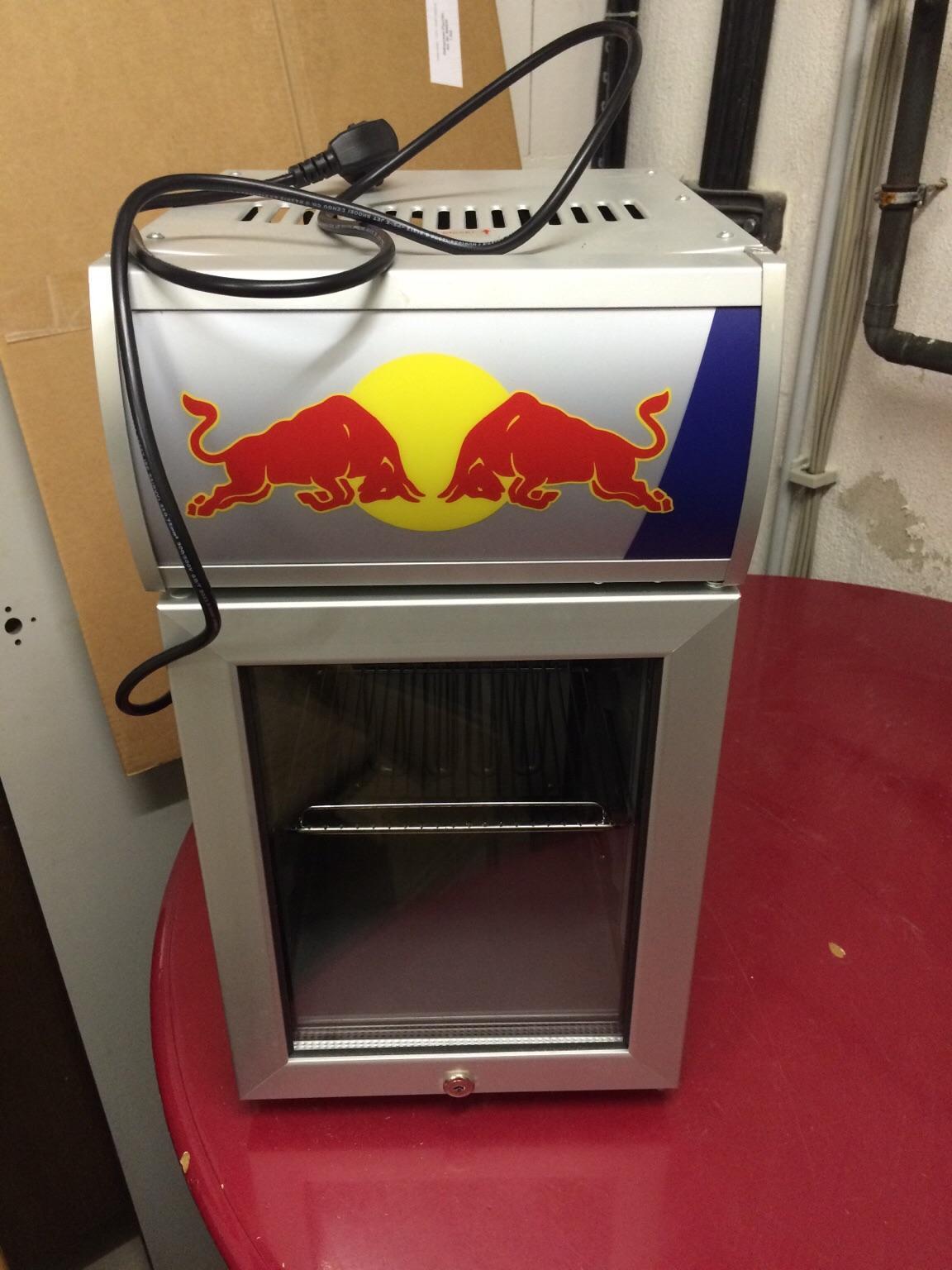 Kleiner Kühlschrank Red Bull : Gebraucht red bull mini kühlschrank baby cooler gastro in
