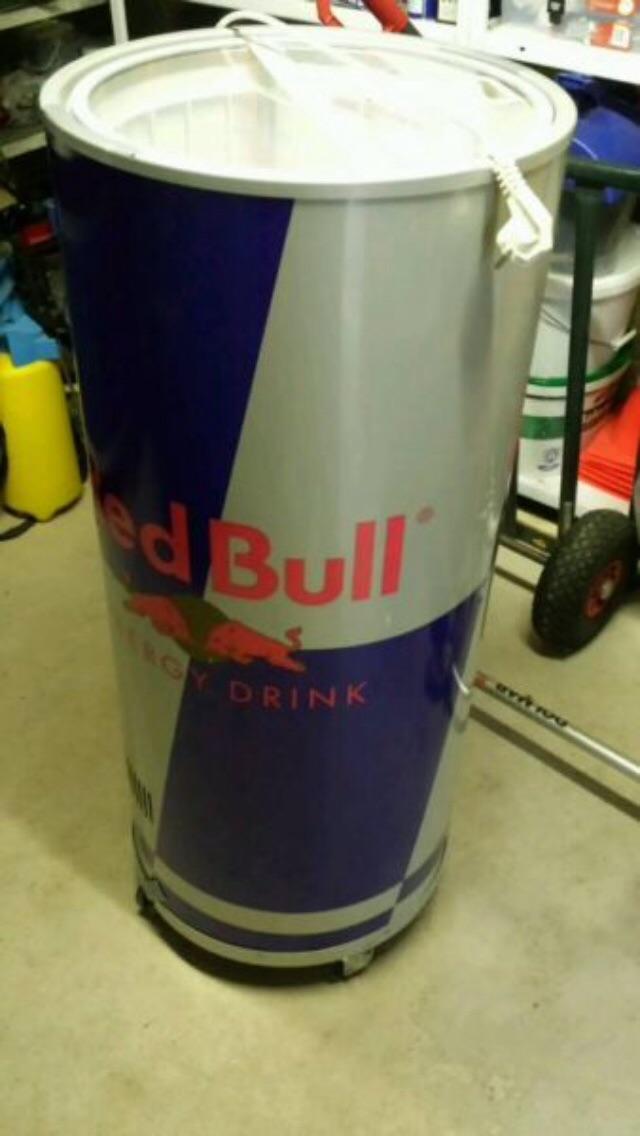 Red Bull Kühlschrank Silber : Gebraucht redbull kühlschrank im dosendesign in bad harzburg