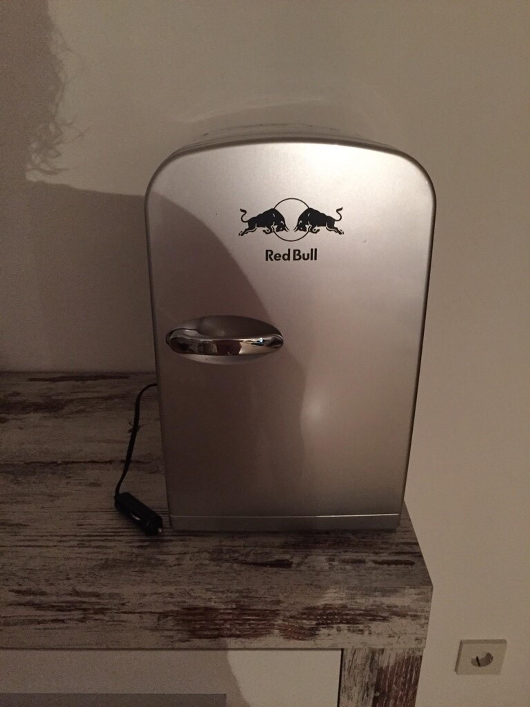 Kleiner Red Bull Kühlschrank : Gebraucht redbull kühlschrank für das auto in eggenfelden um