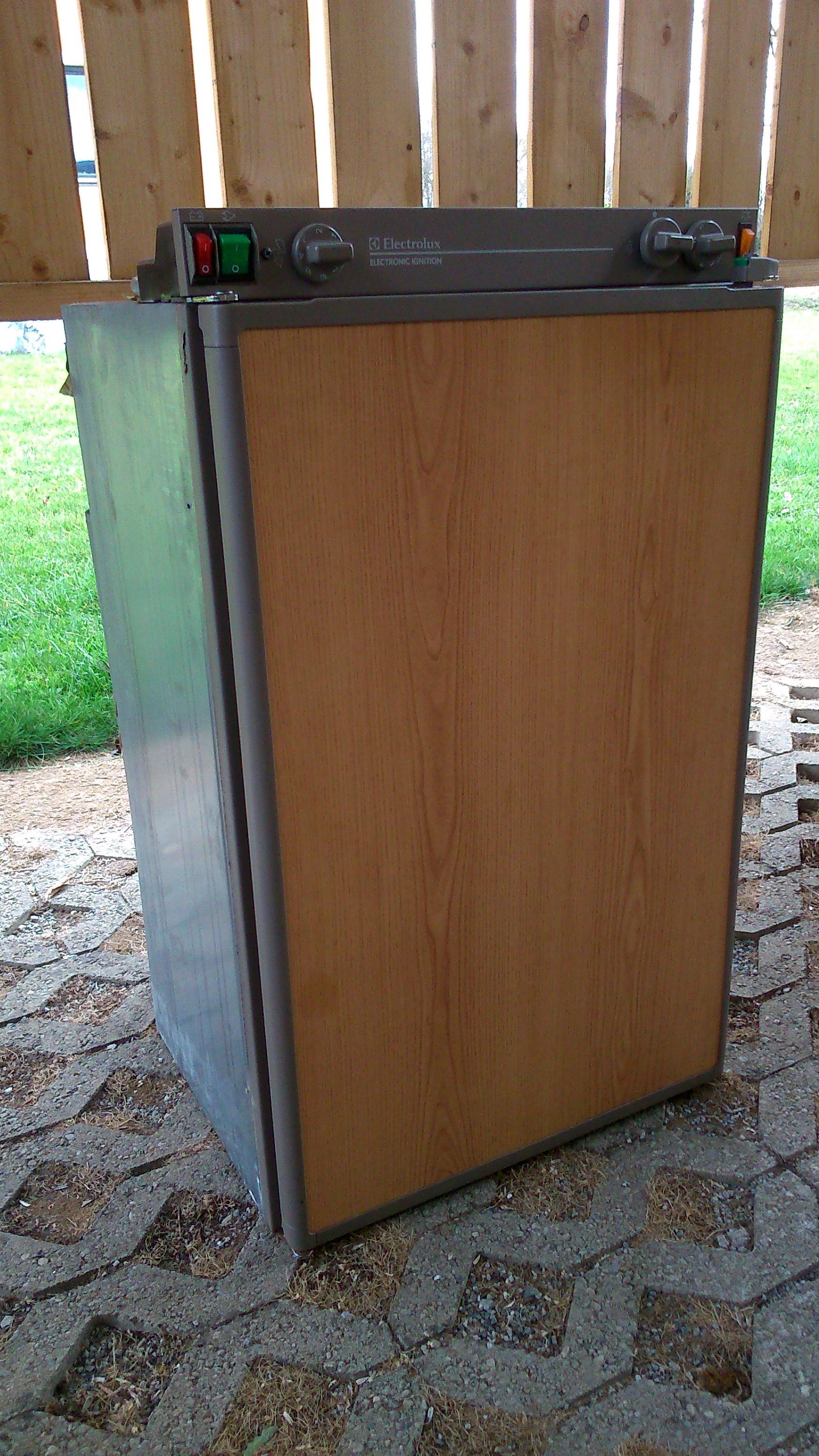 Kühlschrank Gebraucht : Gebraucht electrolux absorberkühlschrank v v gas in