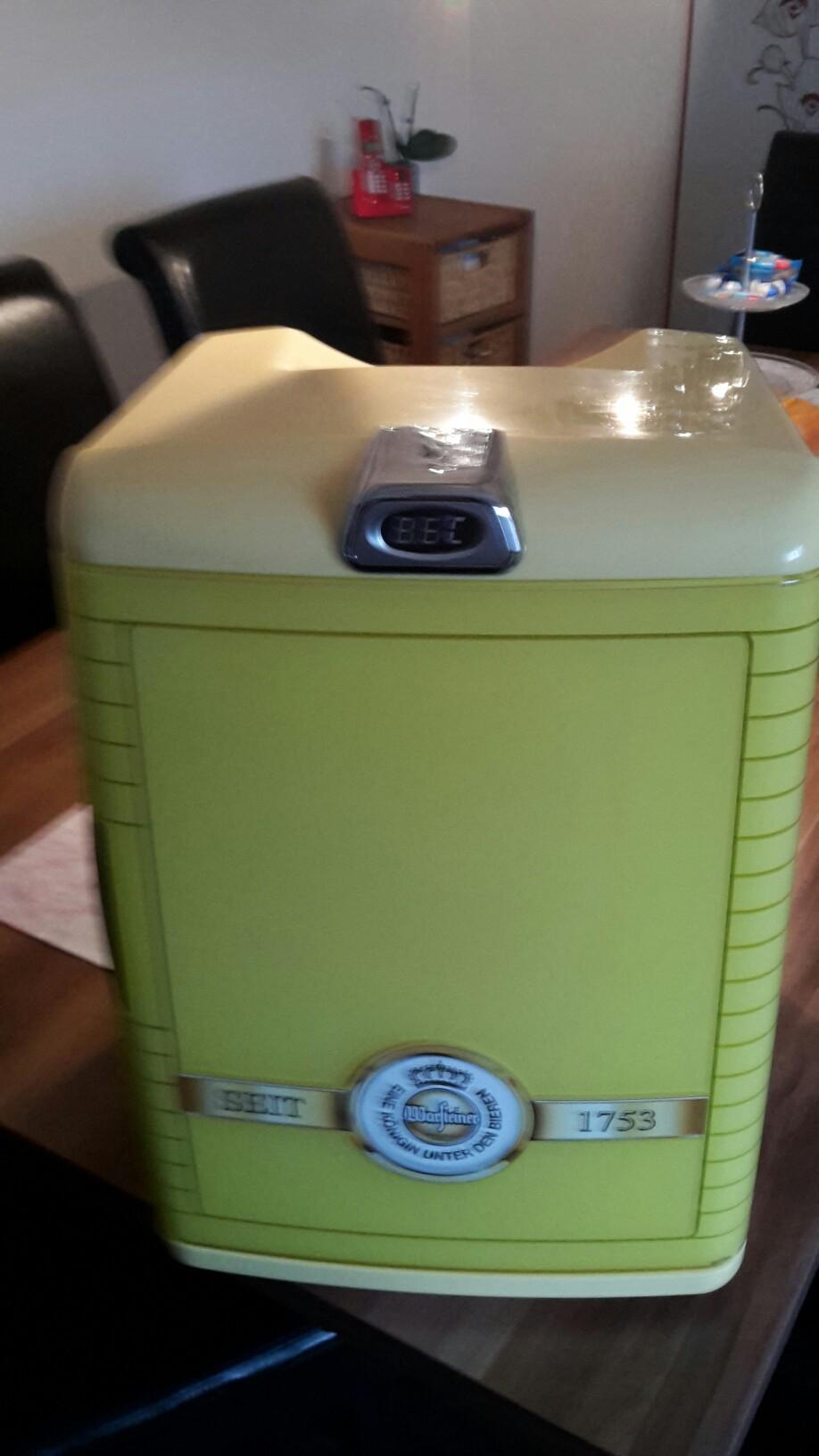 Mini Kühlschrank Warsteiner : Gebraucht warsteiner mini kühlschrank in amberg um u ac