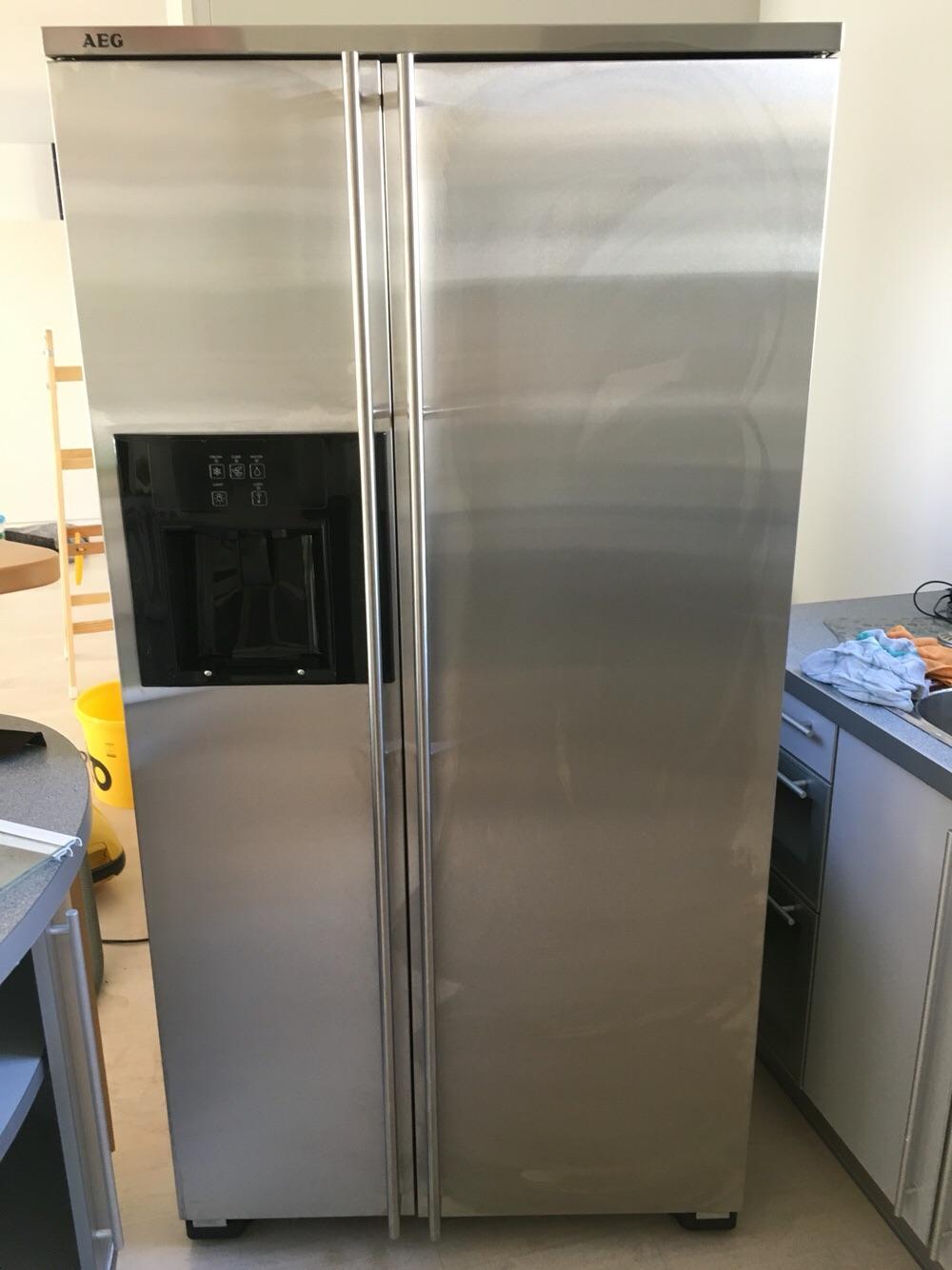 Aeg Kühlschrank Side By Side : Side by side kühlschrank aeg aeg prefekt fit kühlschrank youtube