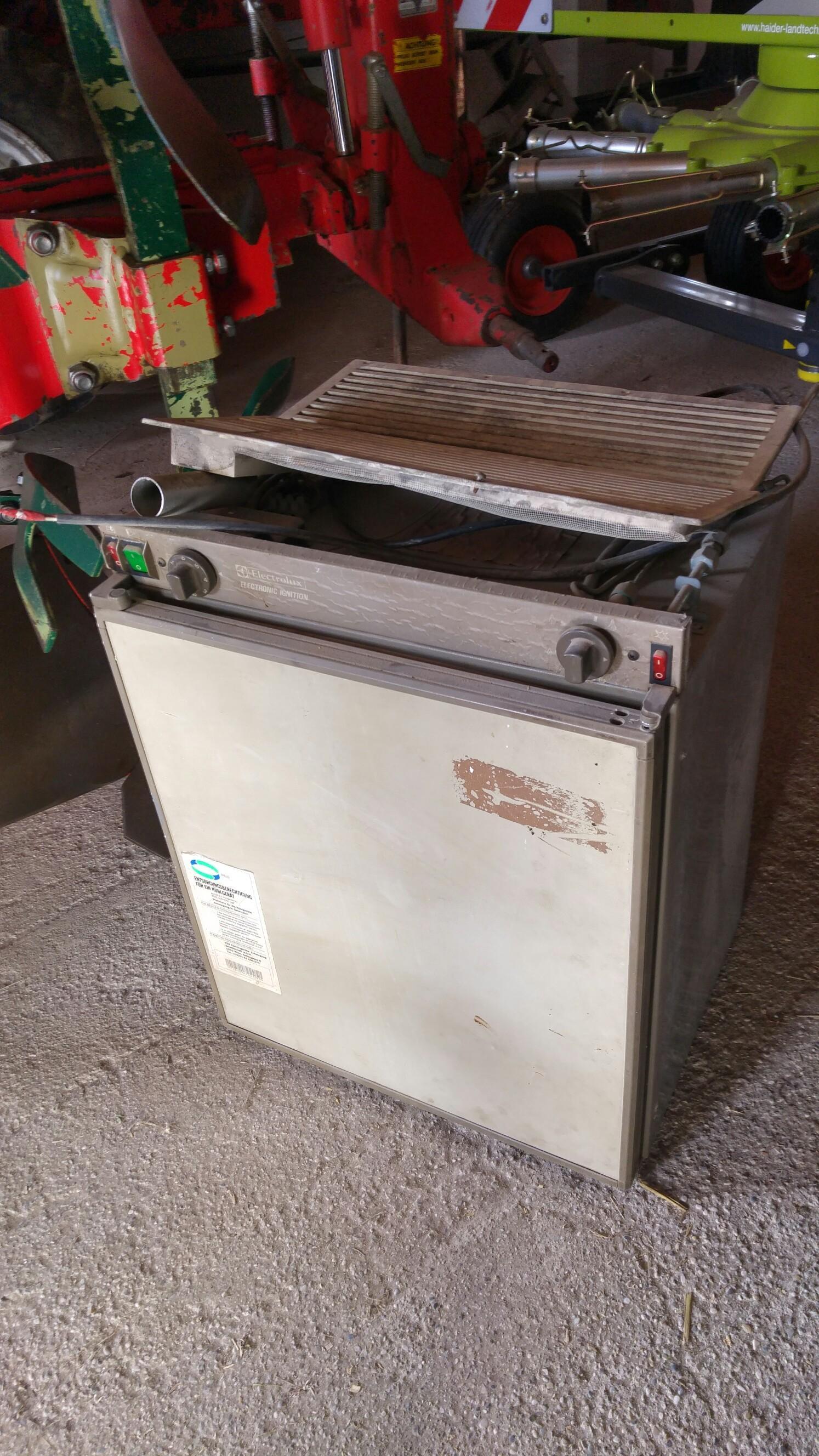 Electrolux Kühlschrank Wohnmobil : Gebraucht wohnmobil kühlschrank in unterweißenbach um u ac